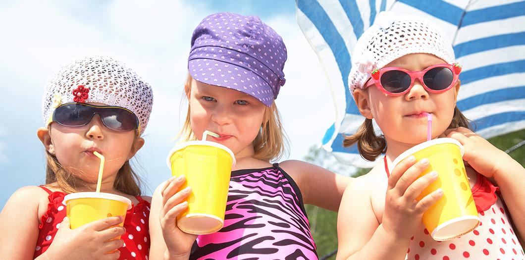 Erfrischende Sommerdrinks für die ganze Familie