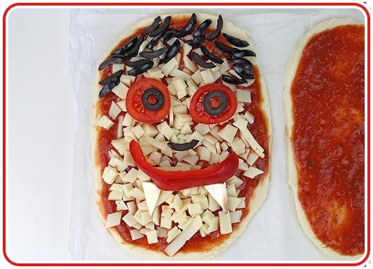 Step 11 - Monster-Pizzen backen