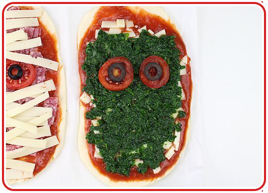 Step 12 - Monster-Pizzen backen